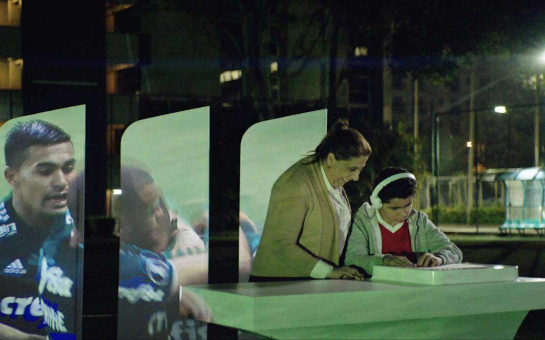 """Xuất hiện công nghệ mới giúp người mù """"xem"""" bóng đá"""