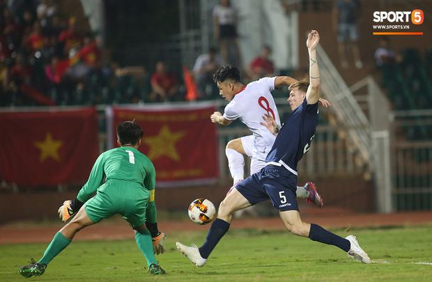 U19 Việt Nam thắng dễ U19 Guam 4-1, phù thủy trắng vẫn nổi điên trong ca-bin đội nhà - Ảnh 3.