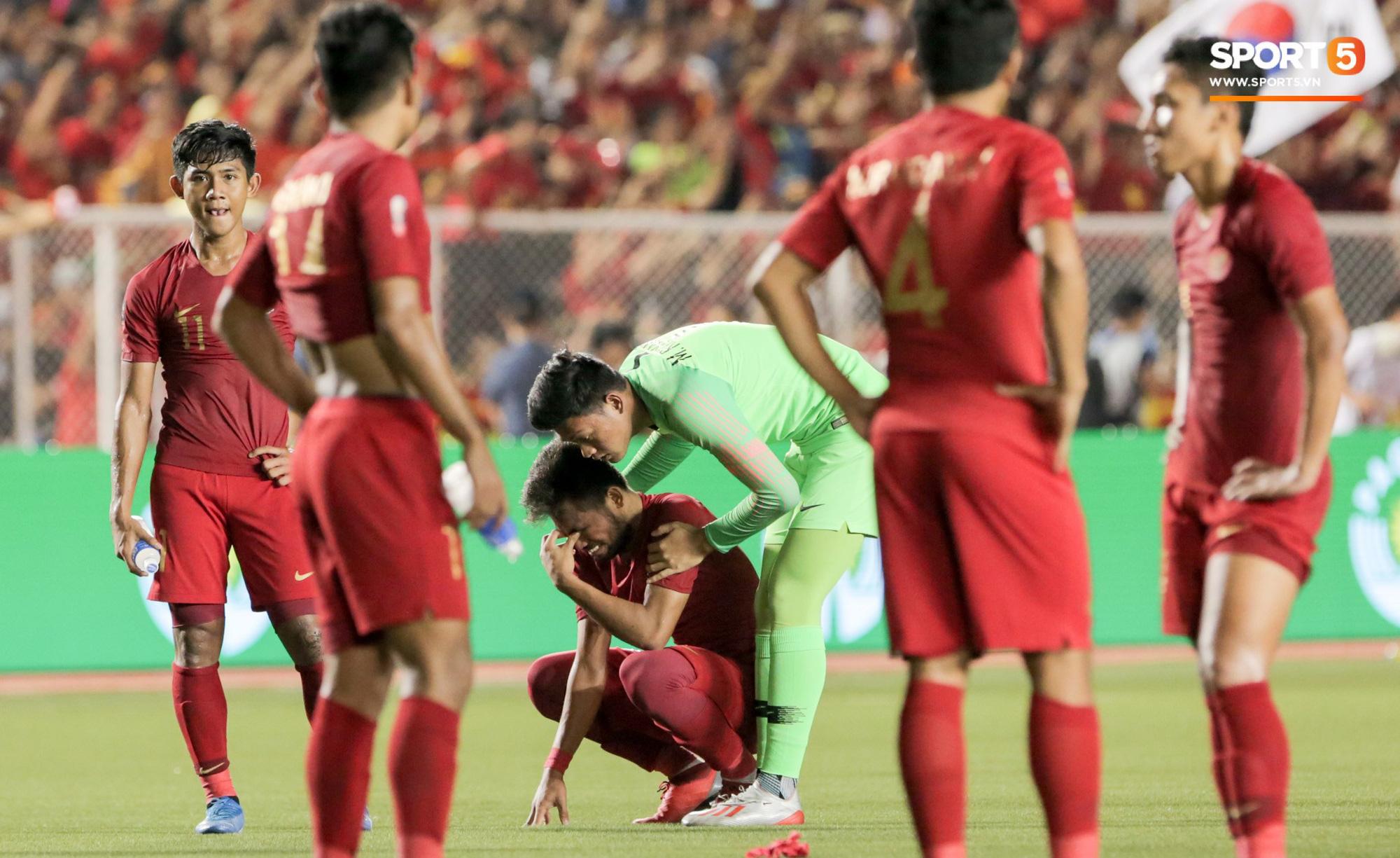 Cãi cùn với trọng tài, trai hư của Indonesia bị Thành Chung cho tắt điện - Ảnh 8.