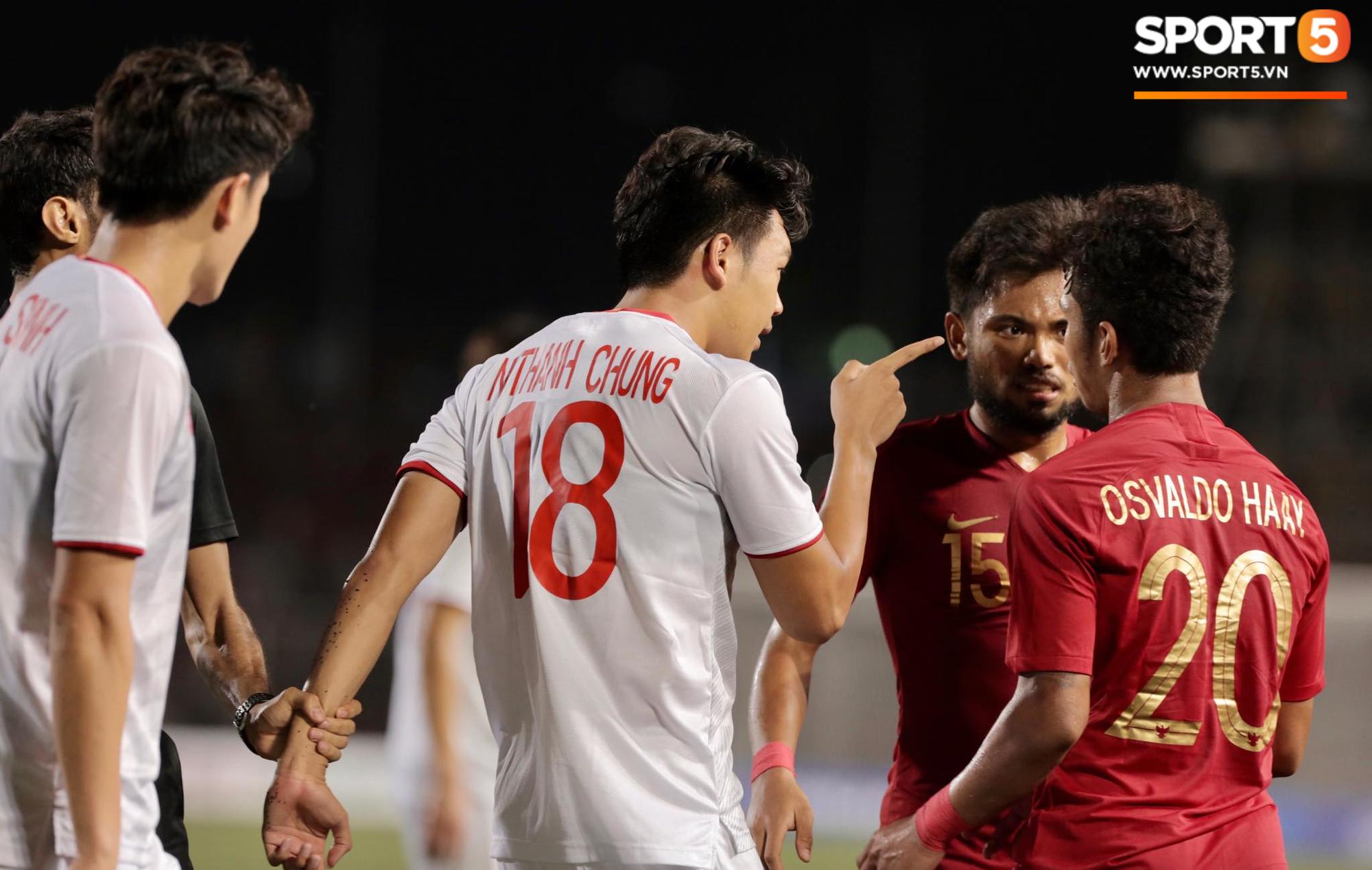 Cãi cùn với trọng tài, trai hư của Indonesia bị Thành Chung cho tắt điện - Ảnh 5.
