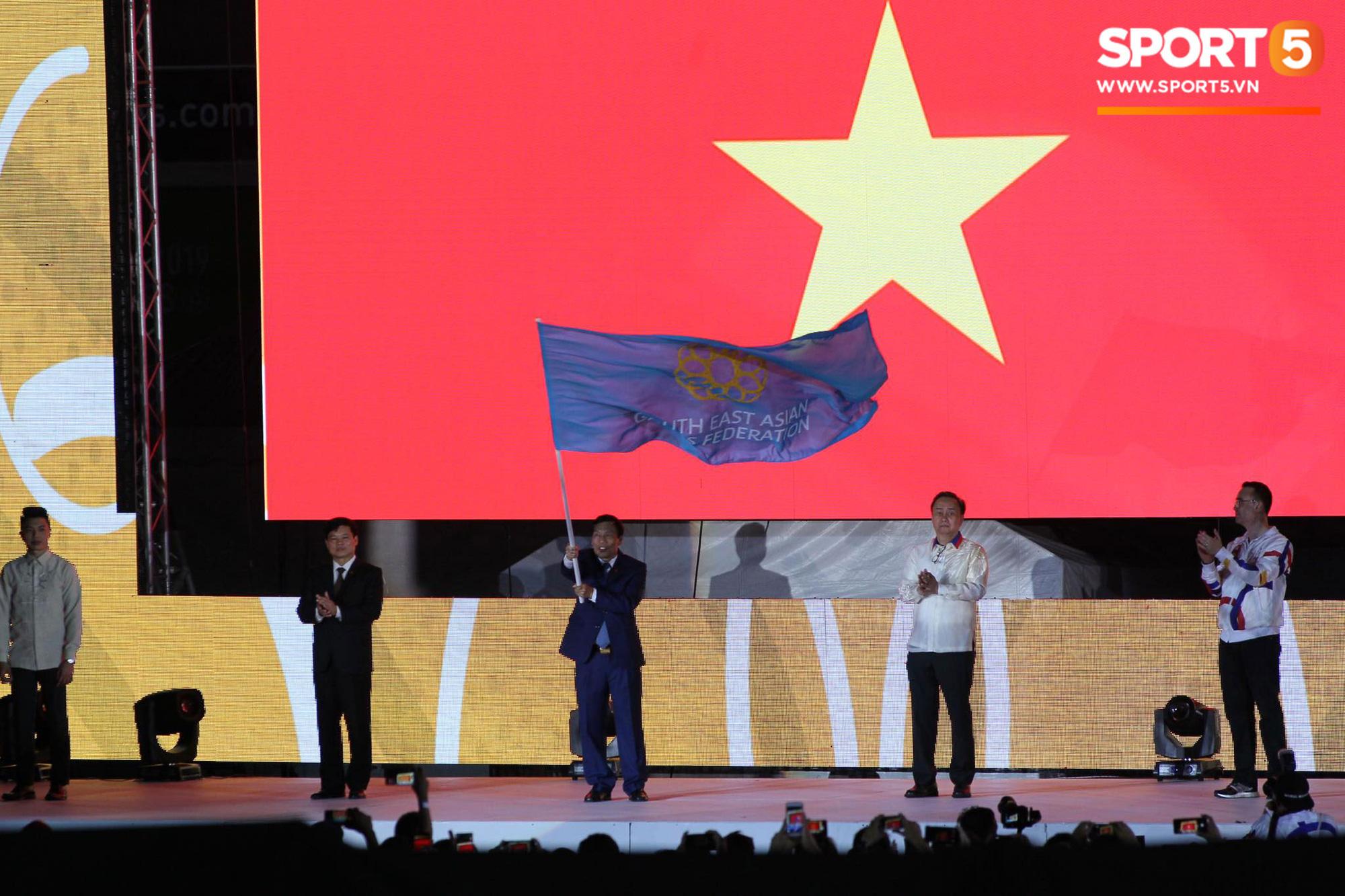Bế mạc SEA Games 30: Việt Nam nhận cờ đăng cai Đại hội thể thao Đông Nam Á lần thứ 31 - Ảnh 7.