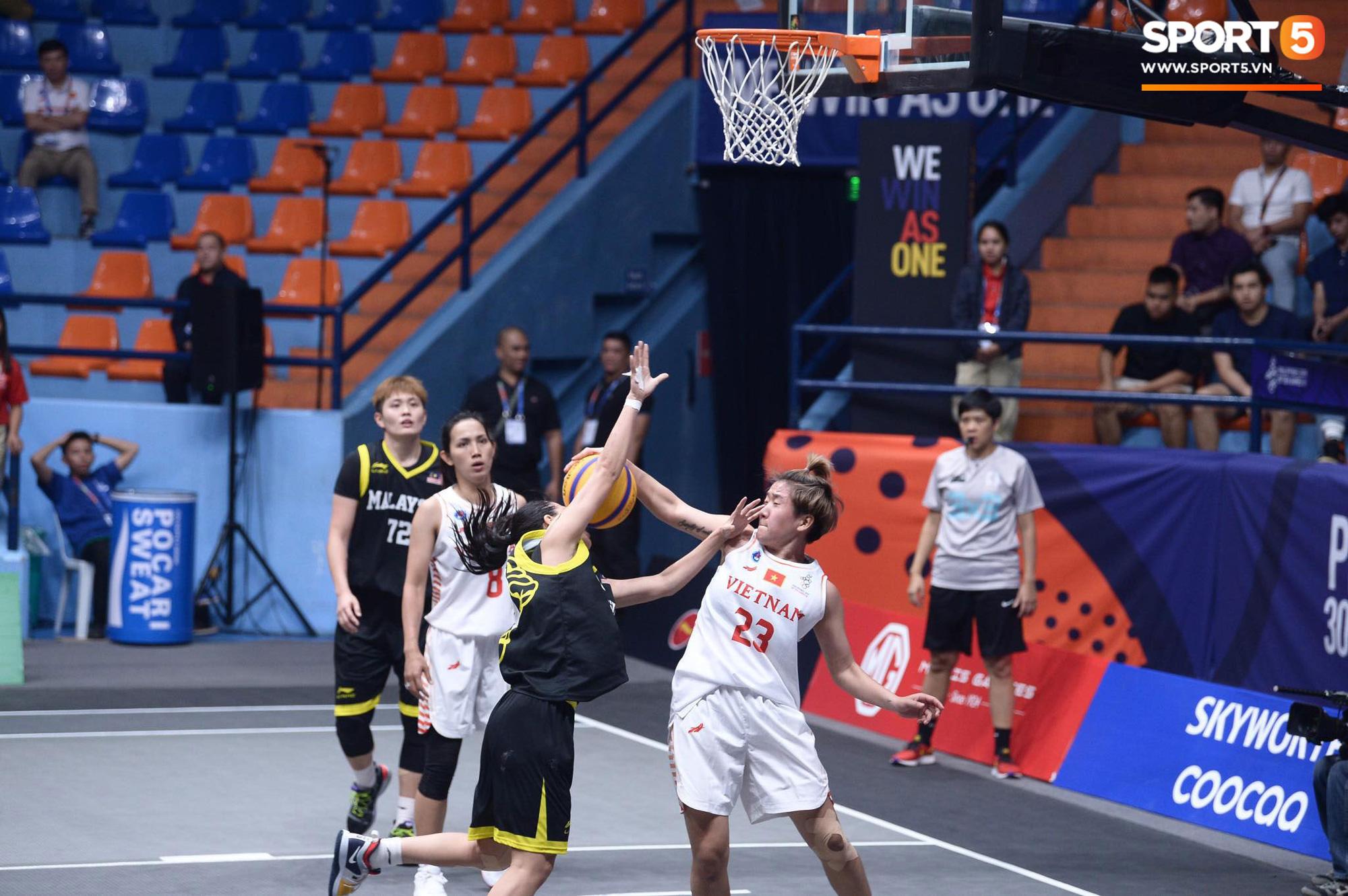 SEA Games 30 ngày 2/12: Thái Lan giúp tuyển nữ Việt Nam vào bán kết ở ngôi nhất bảng - Ảnh 9.