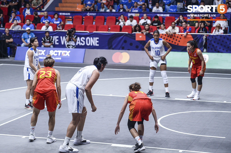 Nỗ lực hết mình nhưng vẫn không thể tạo nên bất ngờ trước Philippines, đội tuyển nữ Việt Nam vẫn còn cơ hội cạnh tranh huy chương đồng tại SEA Games 30 - Ảnh 2.