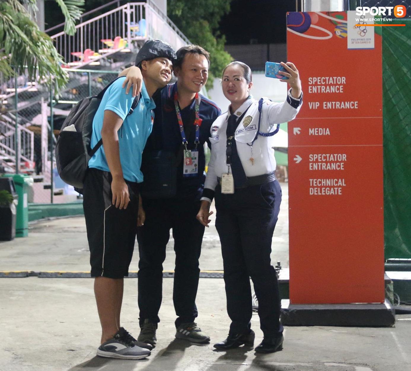 Hà Đức Chinh mệt phờ: Họ bắt uống nhiều nước và đi tiểu để kiểm tra doping - Ảnh 2.