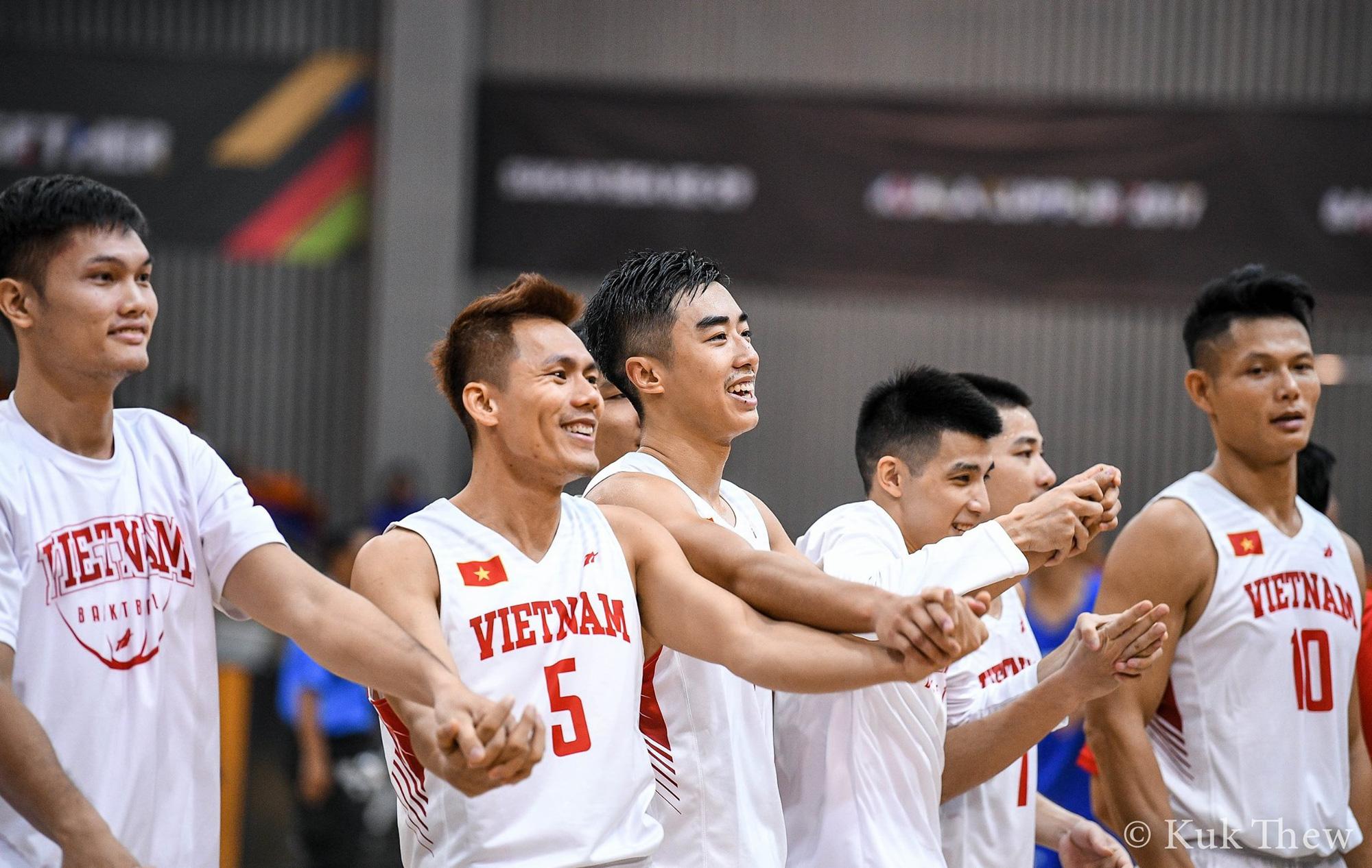 Hai lần làm nên lịch sử tại SEA Games 30, đội tuyển bóng rổ Việt Nam liệu có được thưởng nóng? - Ảnh 2.