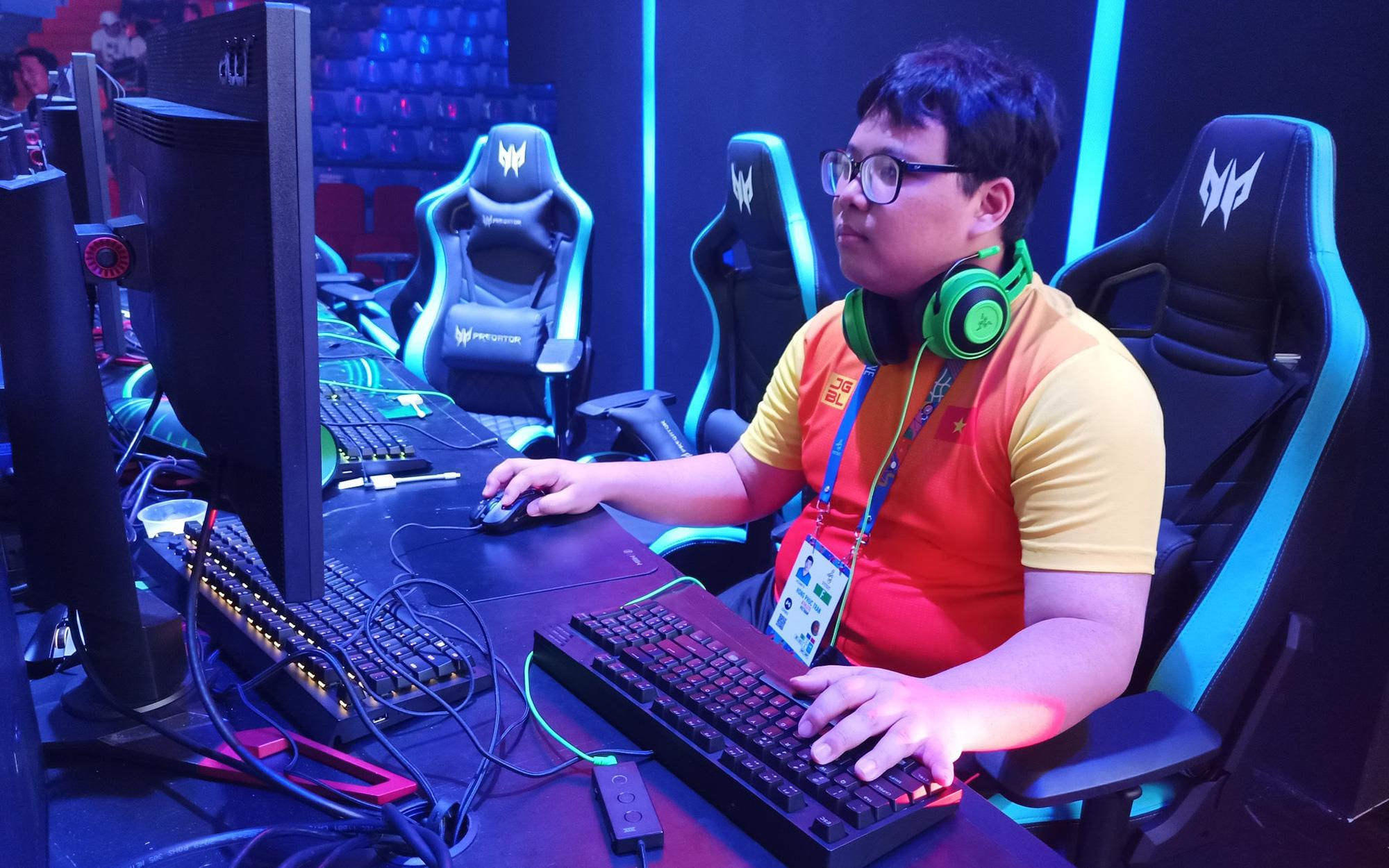 """GTV.Meomaika """"nổ phát súng"""" đầu tiên cho Esports Việt Nam tại SEA Games 30 trong ngày ra quân"""