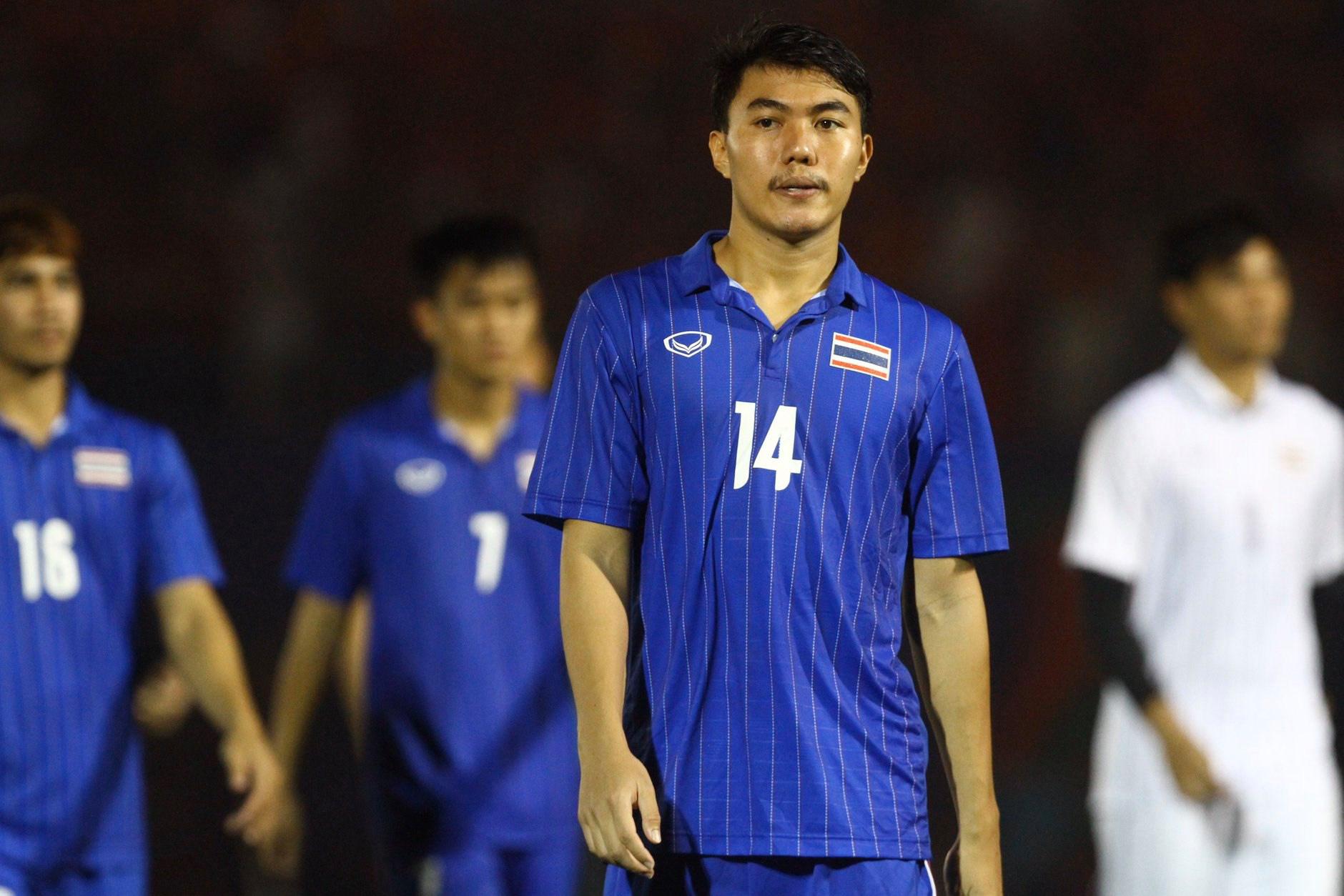 Bị Việt Nam cho về nhà sớm, cầu thủ Thái Lan suy sụp, thất thần, xấu hổ đến mức không dám nhìn các cổ động viên - Ảnh 6.