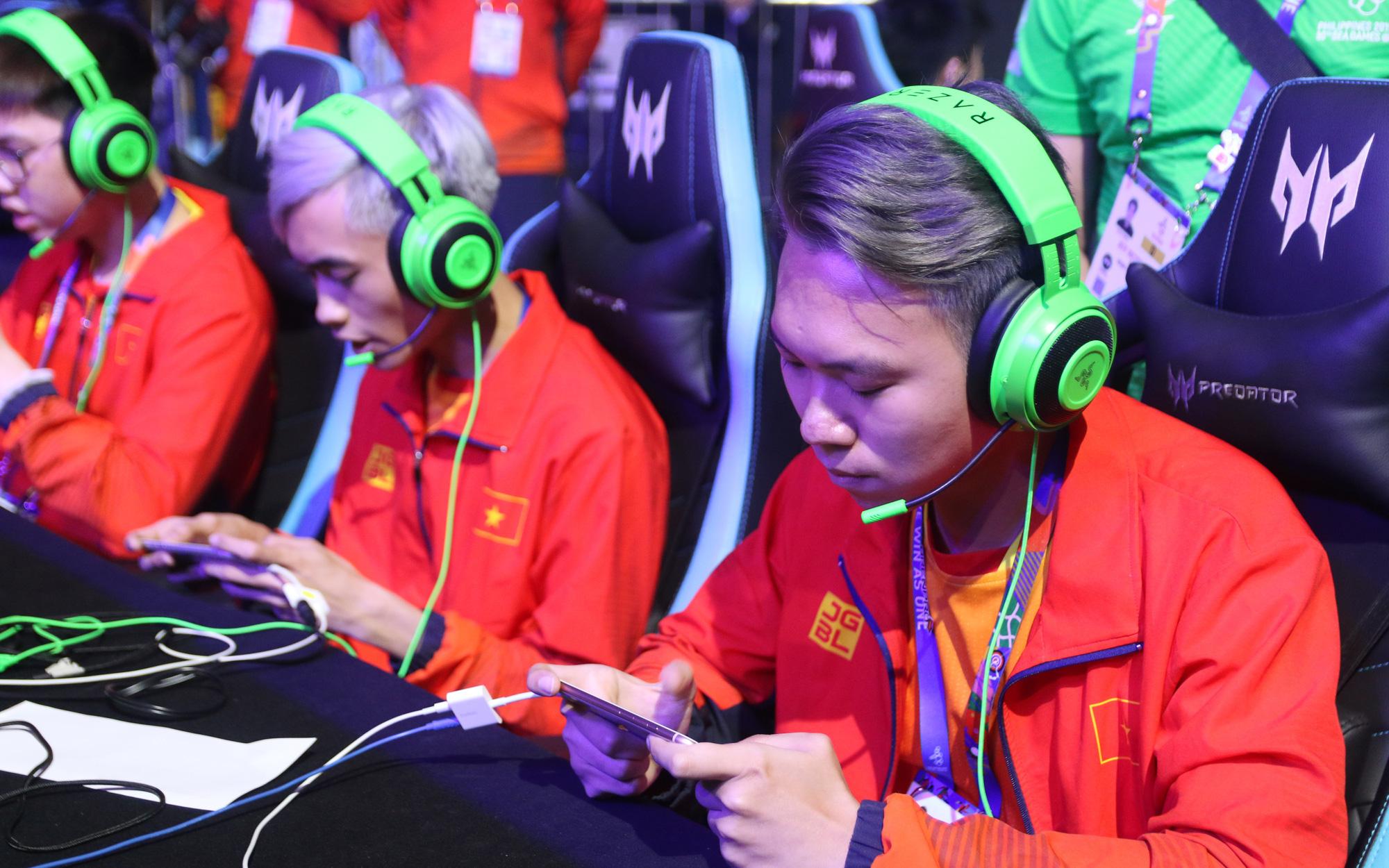 Thi đấu triệt để trước đại kình địch Thái Lan, tuyển Liên Quân Mobile Việt Nam có lợi thế lớn trong cuộc đua giành vị trí nhất bảng A