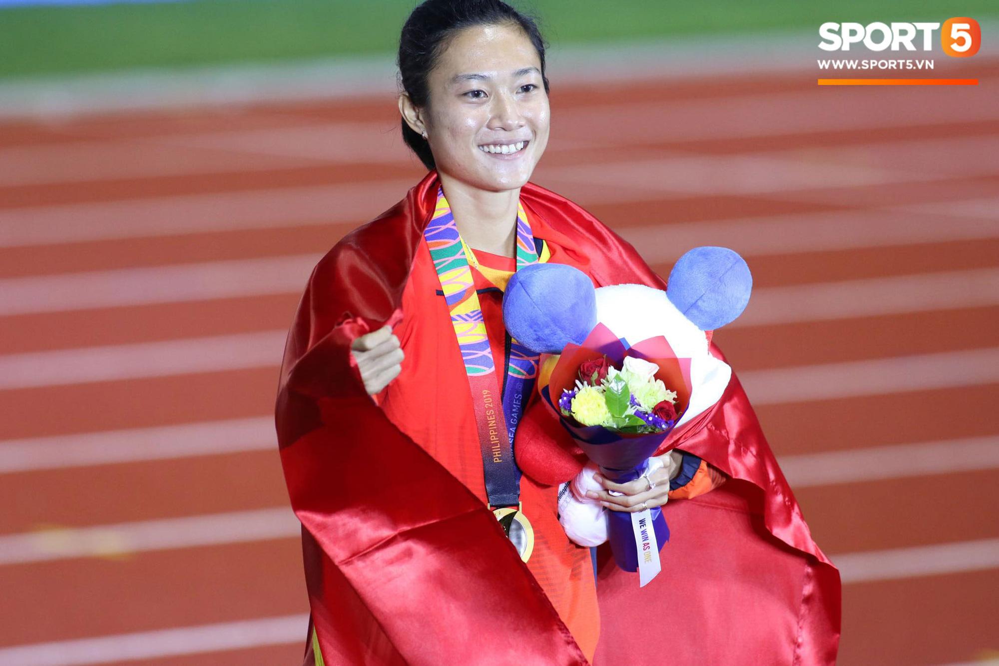 SEA Games ngày 8/12: Nữ hoàng điền kinh Tú Chinh vượt 2 VĐV nhập tịch trong tích tắc, xuất sắc giành HCV chung cuộc - Ảnh 12.