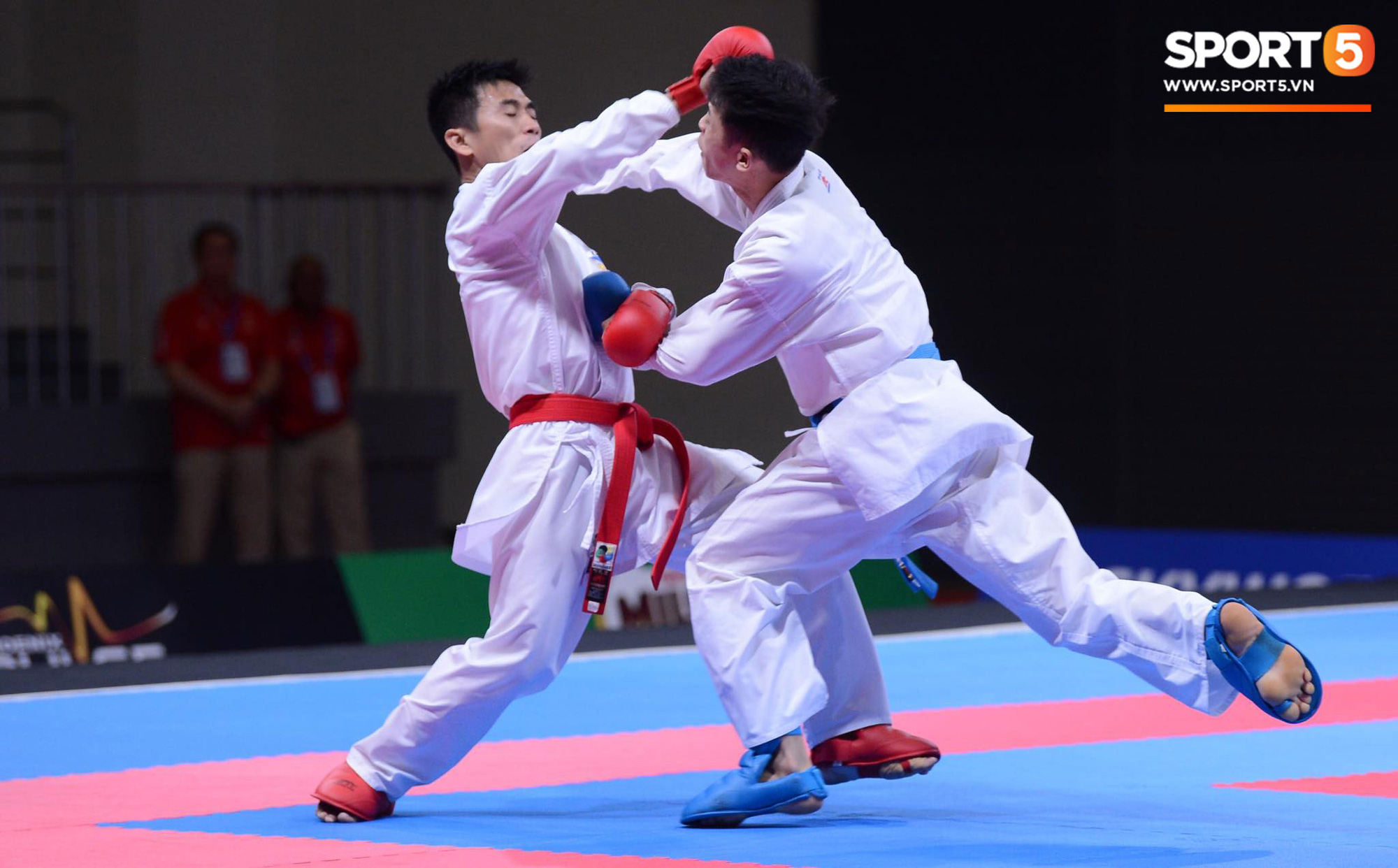 SEA Games ngày 8/12: Nữ hoàng điền kinh Tú Chinh vượt 2 VĐV nhập tịch trong tích tắc, xuất sắc giành HCV chung cuộc - Ảnh 64.