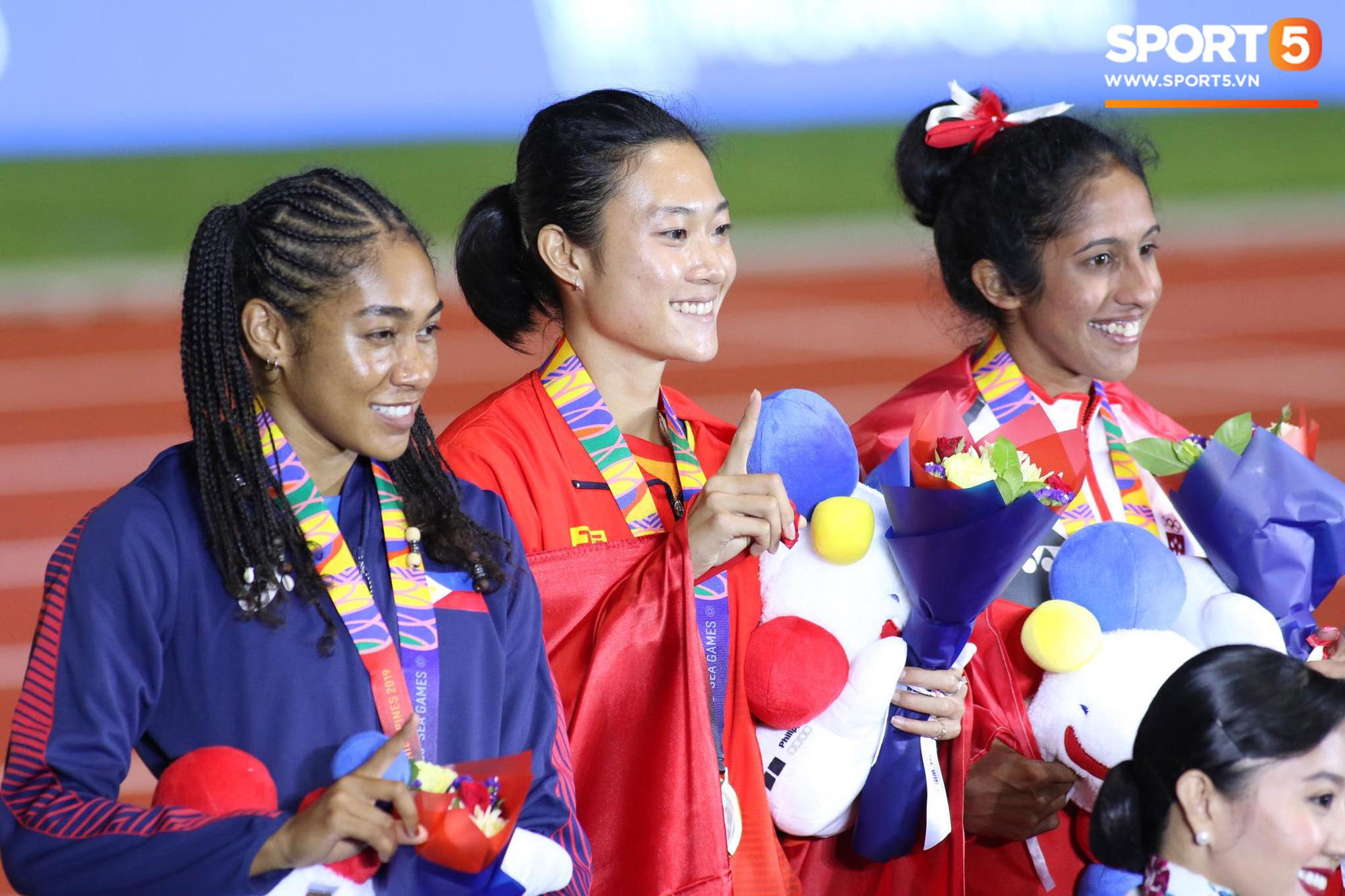 SEA Games ngày 8/12: Nữ hoàng điền kinh Tú Chinh vượt 2 VĐV nhập tịch trong tích tắc, xuất sắc giành HCV chung cuộc - Ảnh 13.