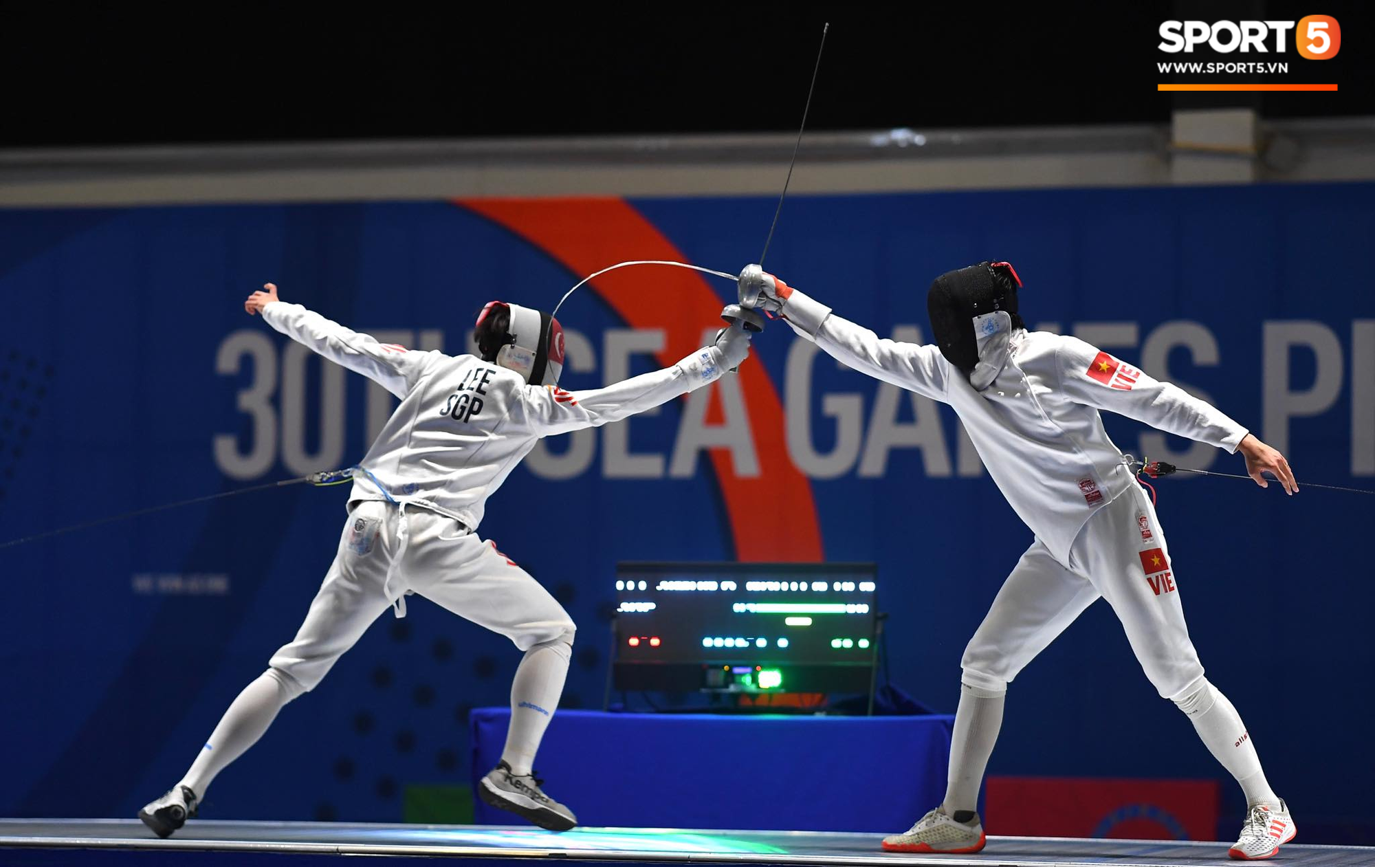 SEA Games ngày 8/12: Nữ hoàng điền kinh Tú Chinh vượt 2 VĐV nhập tịch trong tích tắc, xuất sắc giành HCV chung cuộc - Ảnh 38.