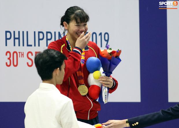SEA Games ngày 8/12: Nữ hoàng điền kinh Tú Chinh vượt 2 VĐV nhập tịch trong tích tắc, xuất sắc giành HCV chung cuộc - Ảnh 75.