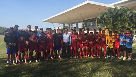 Đội tuyển U22 Việt Nam nhận lì xì đầu năm từ lãnh đạo VFF - Ảnh 2.