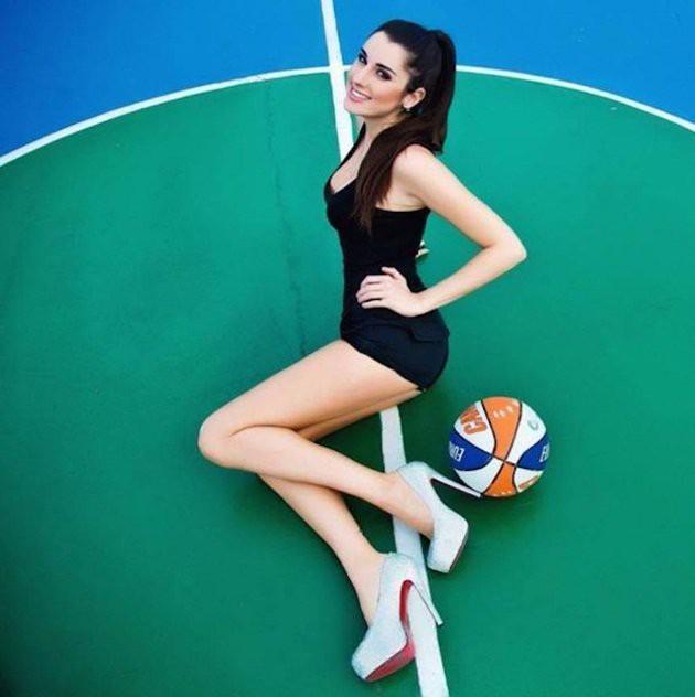 Nữ VĐV bóng rổ nóng bỏng nhất hành tinh: Nếu tôi tham gia chính trị, 2 triệu cử tri sẵn sàng bỏ phiếu cho tôi - Ảnh 6.