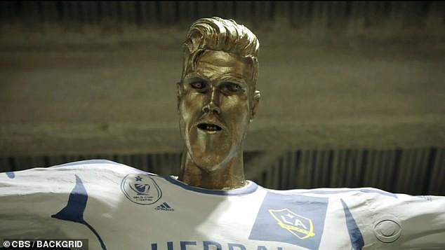 Bị cả ekip trường quay bày trò cực khó đỡ để chọc giận nhưng cách David Beckham phản ứng vẫn khiến các fan phải điêu đứng - Ảnh 3.