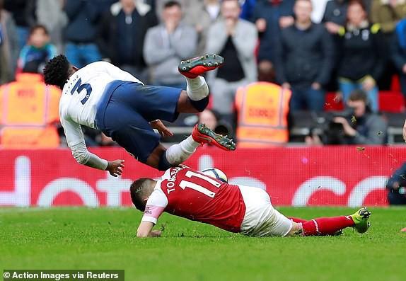 Hai quyết định sai lầm của trọng tài góp phần khiến Arsenal bị chia điểm với Tottenham - Ảnh 6.