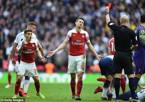 Hai quyết định sai lầm của trọng tài góp phần khiến Arsenal bị chia điểm với Tottenham - Ảnh 7.