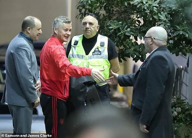 8Live đưa tin Dàn sao Manchester United tập trung tại Lowry