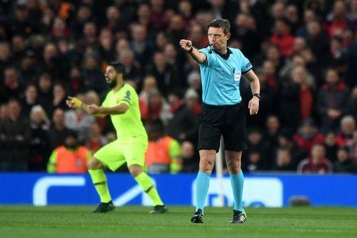 MU 0-1 Barca (tứ kết Champions League): Messi đổ máu, Quỷ Đỏ bị khuất phục ngay tại sân nhà - Ảnh 2.