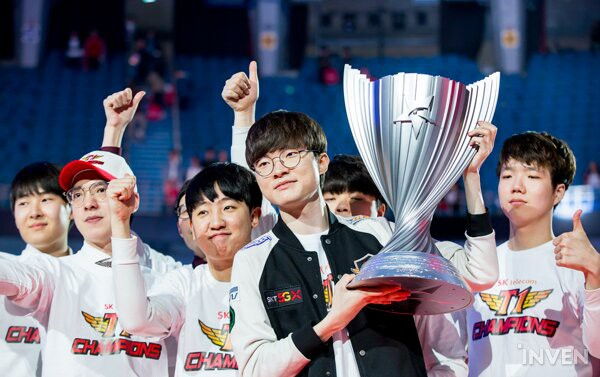 Đánh bại Griffin 3 trắng, SKT T1 chính thức vô địch LCK xuân 2019, giành quyền sang Việt Nam dự MSI - Ảnh 9.
