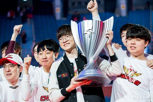 Đánh bại Griffin 3 trắng, SKT T1 chính thức vô địch LCK xuân 2019, giành quyền sang Việt Nam dự MSI - Ảnh 8.