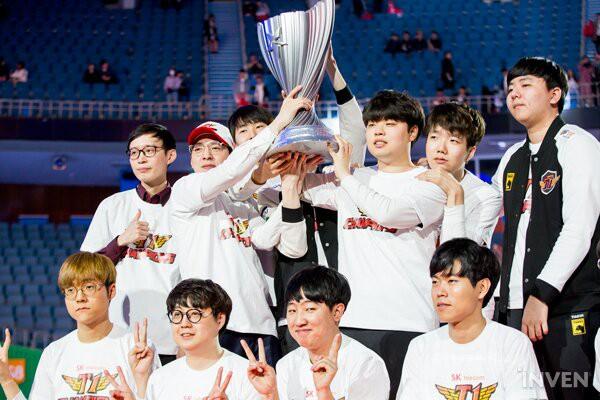 Đánh bại Griffin 3 trắng, SKT T1 chính thức vô địch LCK xuân 2019, giành quyền sang Việt Nam dự MSI - Ảnh 4.