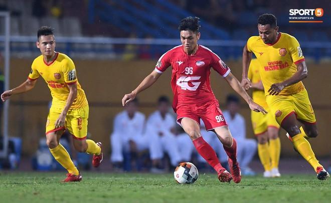 HLV CLB Viettel khen ngợi Trọng Đại sau trận đá chính đầu tiên V.League - Ảnh 1.