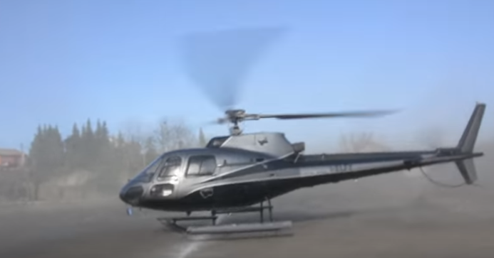 Thuê trực thăng đến sân dàn cảnh bắt cóc cho người xem trầm trồ, cầu thủ gây họa lớn cho CLB - Ảnh 3.