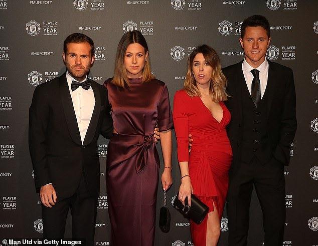 Dàn sao Manchester United lộng lẫy trên thảm đỏ trong ngày tổng kết mùa giải của câu lạc bộ - Ảnh 9.