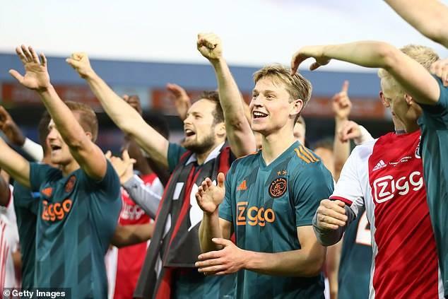 Toàn cảnh lễ ăn mừng chức vô địch Eredivisie hoành tráng của  Ajax Amsterdam - Ảnh 4.