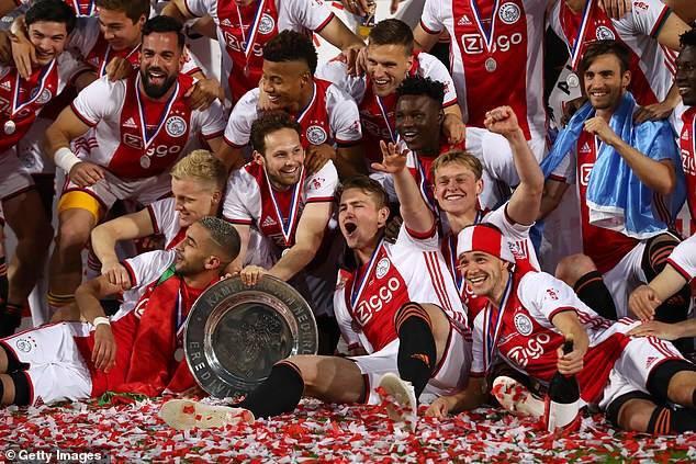 Toàn cảnh lễ ăn mừng chức vô địch Eredivisie hoành tráng của  Ajax Amsterdam - Ảnh 6.