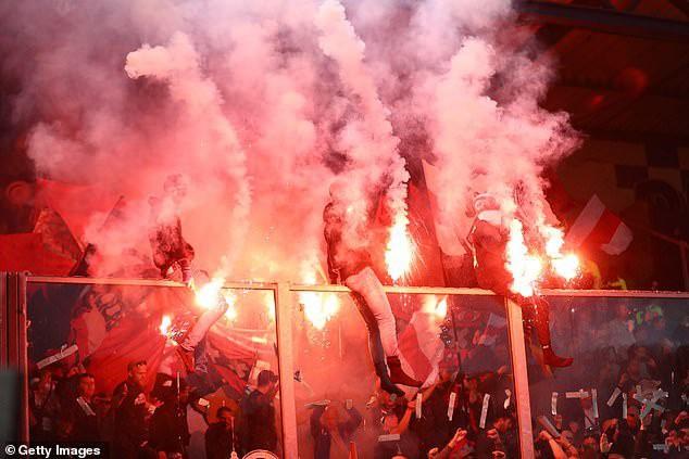 Toàn cảnh lễ ăn mừng chức vô địch Eredivisie hoành tráng của  Ajax Amsterdam - Ảnh 1.