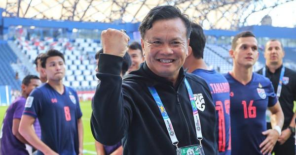 Sau vụ cầu thủ đấm Đình Trọng, Thái Lan lại định lách luật cho vị trí HLV trưởng ĐTQG - Ảnh 1.