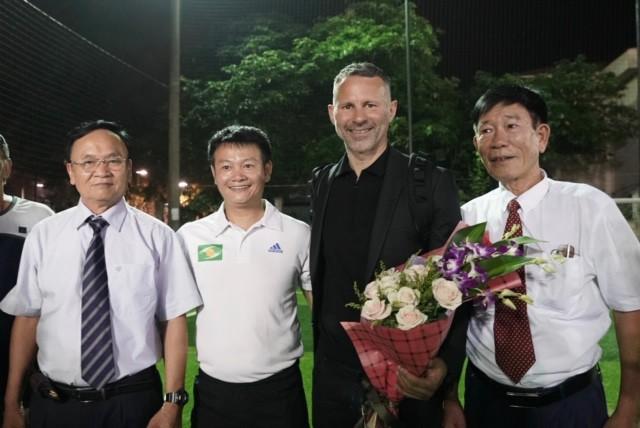 Huyền thoại Manchester United chung tay phát triển bóng đá học đường ở Việt Nam - Ảnh 1.