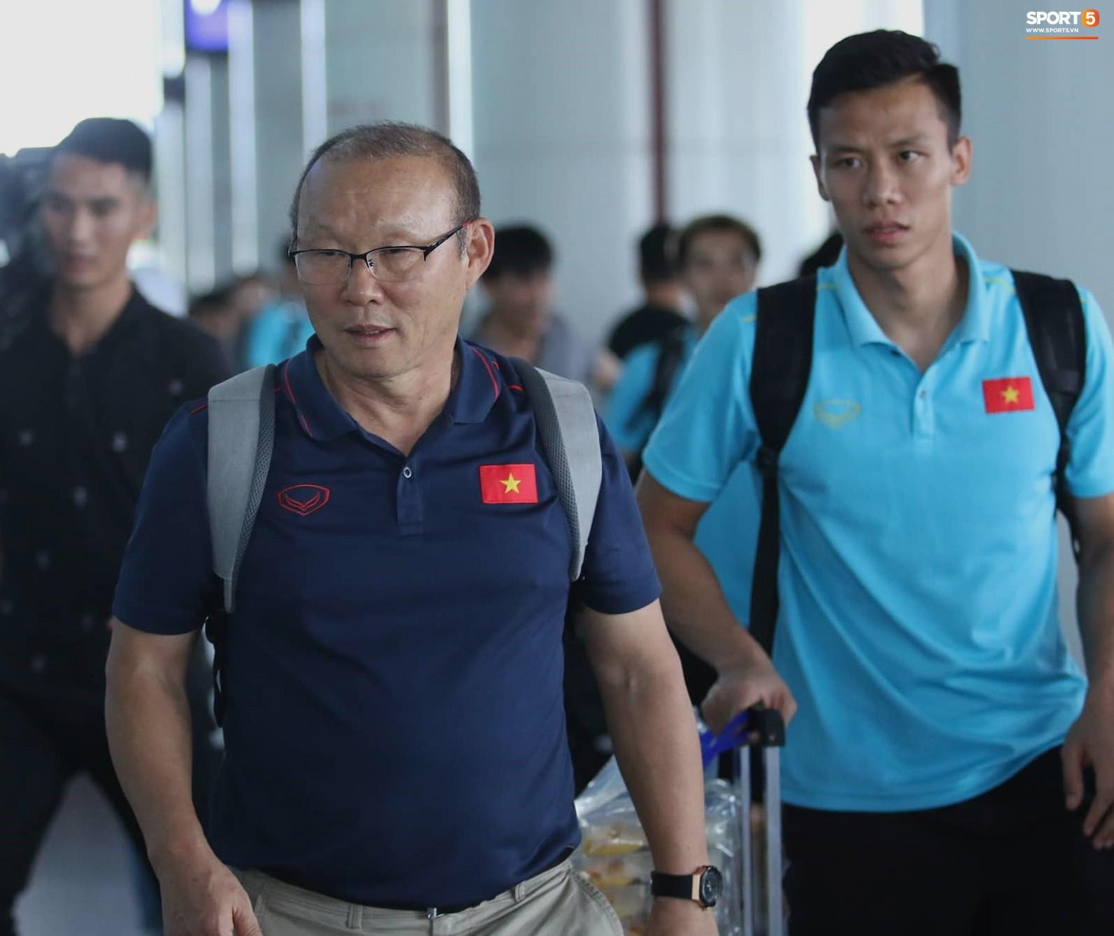 Sau Công Phượng, thêm ba cầu thủ của HAGL đánh lẻ ngay khi về tới Hà Nội - Ảnh 8.