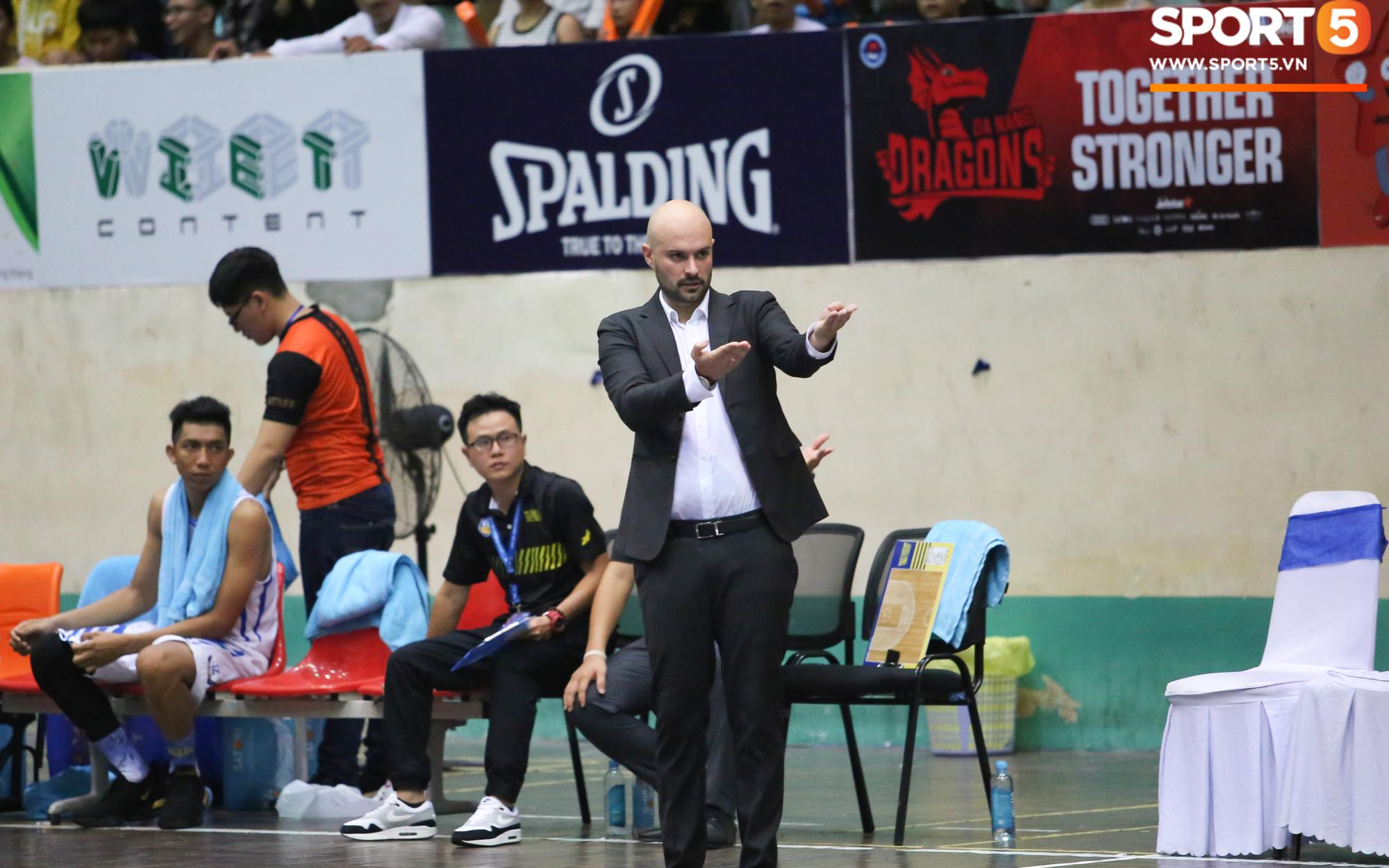 HLV Predrag Lukic hài lòng với công tác trọng tài ở trận gặp Danang Dragons