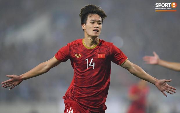Soi profile 5 cái tên khiến CĐV phải thốt lên họ là ai khi được HLV Park Hang-seo gọi lên tuyển Việt Nam - Ảnh 3.