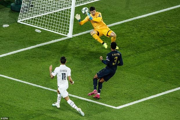 Buồn nhất hôm nay chắc hẳn là fan CLB cũ của Ronaldo: Đội nhà đã thua thảm hại lại còn phải chứng kiến hai pha ăn mừng chí mạng này - Ảnh 1.