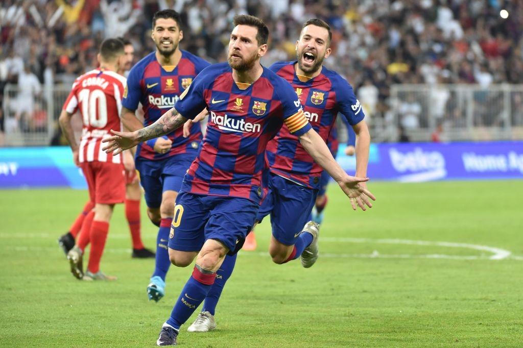Bị truyền nhân của Ronaldo bật lại, Messi đáp trả bằng màn trình diễn như lên đồng nhưng sau cùng vẫn phải nhận cái kết đắng ngắt - Ảnh 4.