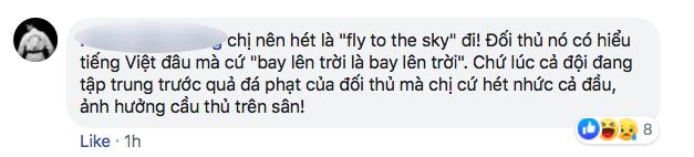 Nhiều người tràn vào Facebook cá nhân để sỉ nhục nữ CĐV cầm loa hát Bay lên trời là em bay ra ngoài: Fan bóng đá có văn hóa thì không làm thế - Ảnh 13.