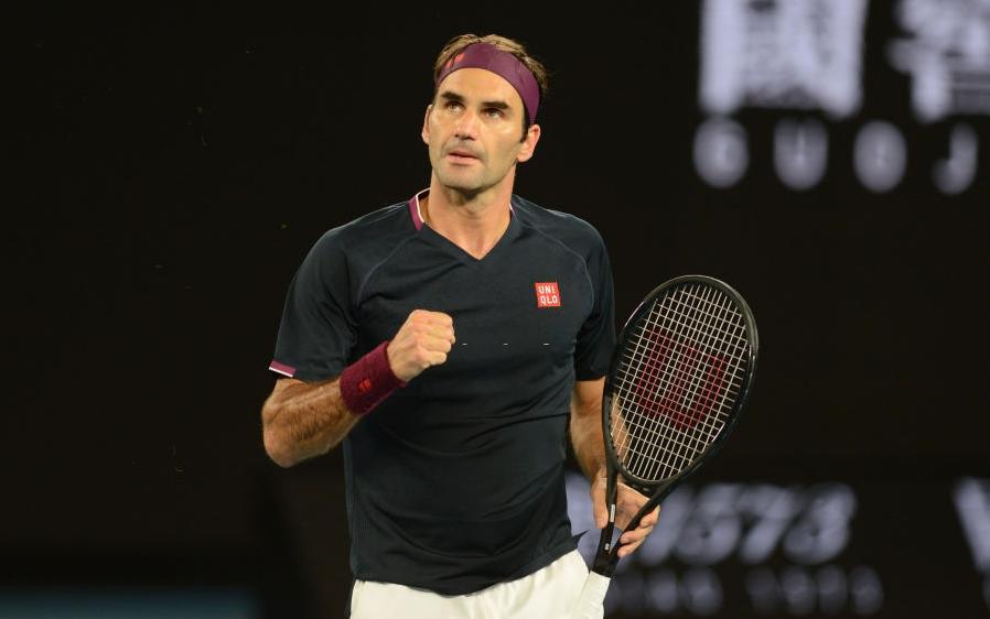 Federer thoát hiểm ngoạn mục để lập nên những kỷ lục mới