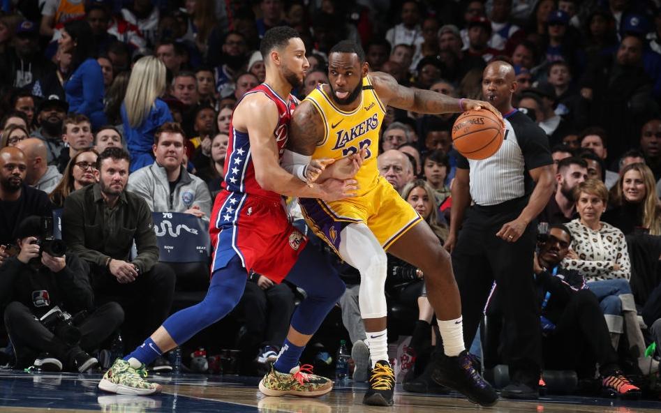 Los Angeles Lakers thất thủ trước Philadelphia 76ers trong ngày LeBron James vượt qua Kobe Bryant trên BXH ghi điểm tại NBA
