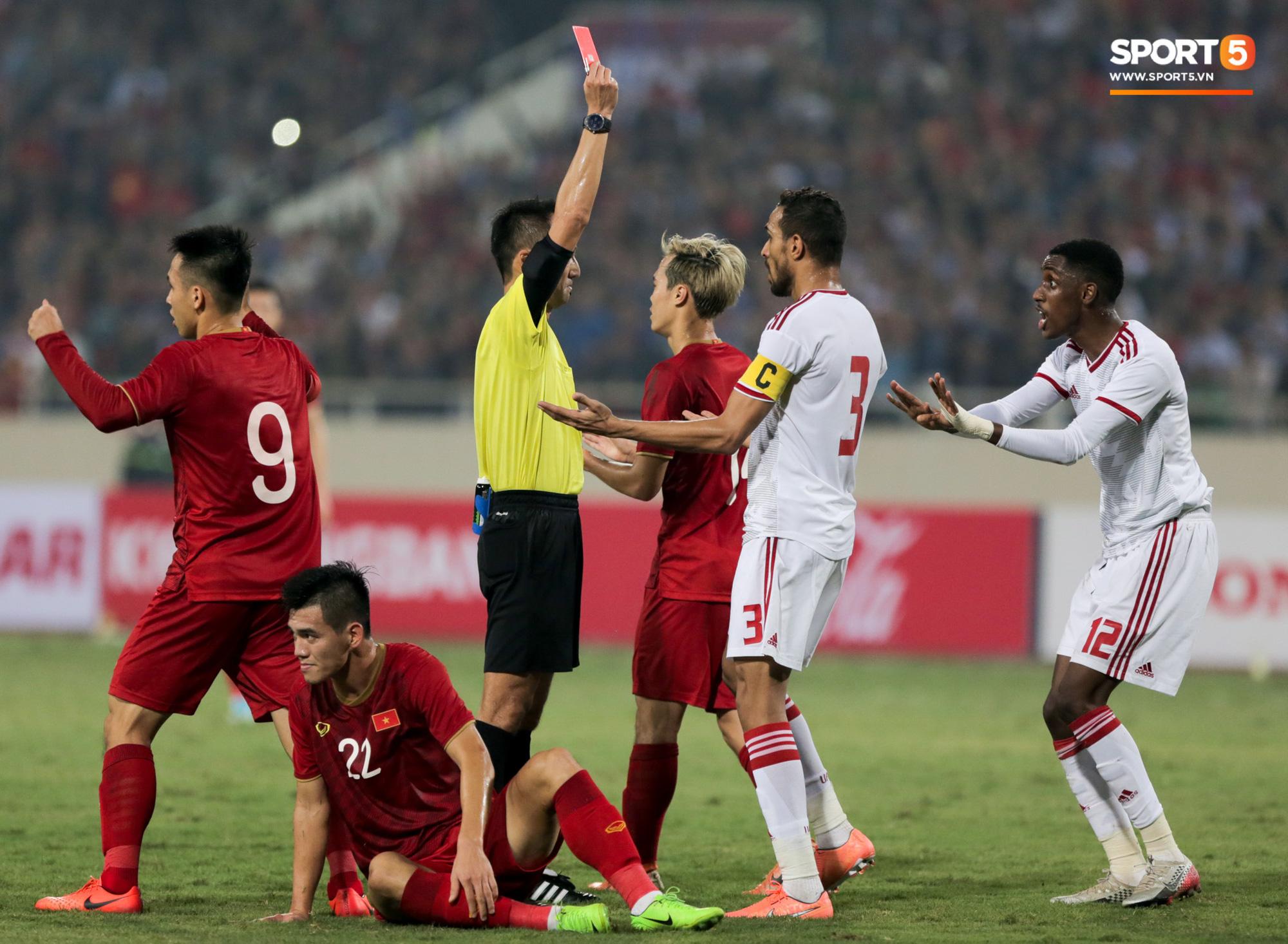 Hy hữu: HLV đối thủ của tuyển Việt Nam có thể nhận lương cao mà không phải dẫn dắt trận nào vì Covid-19 - Ảnh 2.