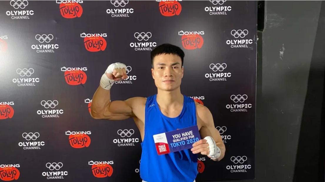 Phục thù thành công trước đối thủ Thái Lan, Nguyễn Văn Đương giúp boxing Việt có vé dự Olympic sau 32 năm chờ đợi - Ảnh 1.