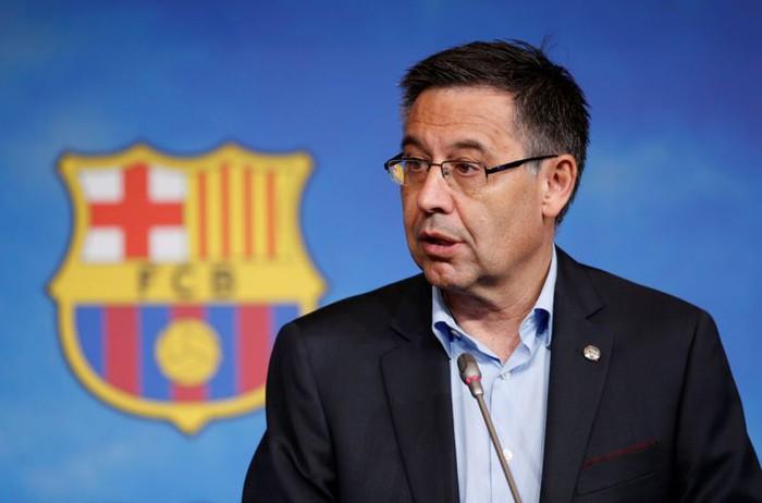CĐV Barca tiến hành ăn mừng linh đình sau khi Chủ tịch Bartomeu phải từ chức trong tủi nhục - Ảnh 2.