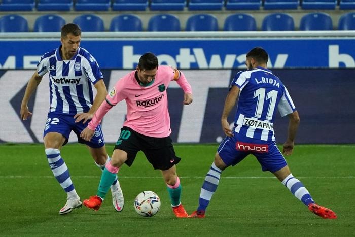 Thắng thuyết phục tại Champions League nhưng Barca và Messi lại ngã ngựa ở La Liga - Ảnh 1.