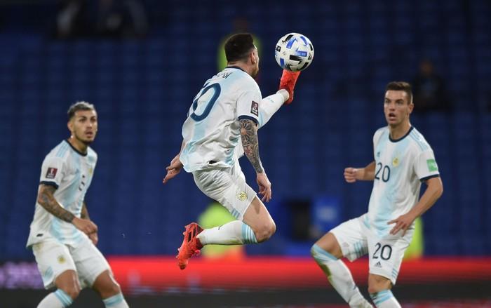 Messi ăn mừng hụt bàn thắng quyết định, Argentina chỉ giành kết quả gây thất vọng - Ảnh 6.
