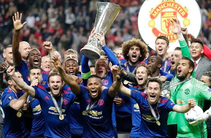 Manchester United đã đốt tiền thế nào thời hậu Sir Alex Ferguson? - Ảnh 4.