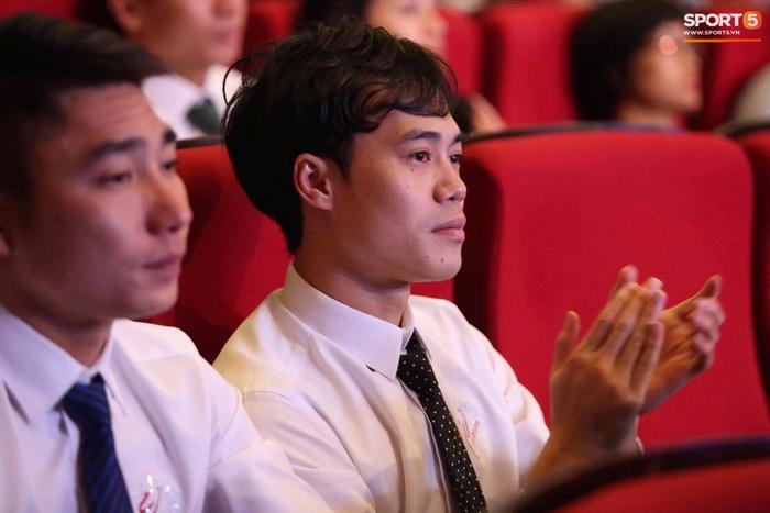 Quang Hải nhận giải bàn thắng đẹp nhất, Công Phượng được vinh danh nhưng vắng mặt tại V.League Awards 2020 - Ảnh 8.